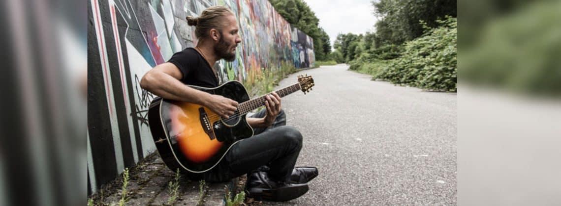 Live: Colbinger (singer & Songwriter – Acoustic Rock Artist)